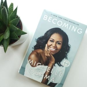 """""""BECOMING"""" By Michelle Obama Hardcover Book"""